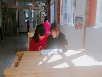 武汉理工大学马克思主义学院学生开展志愿服务活动