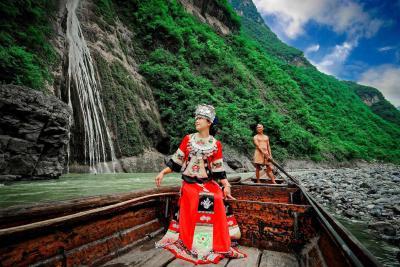 这里风景绝美!五一小长假带火巴东纤夫文化旅游