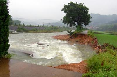 湖北省今年防汛形势严峻:合力防大汛抗大旱