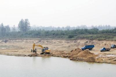 名为清淤实为采砂 黄陂有关部门监管不力被曝光