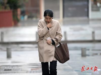 最低气温跌至冰点,武汉渐转晴早晚更冻人