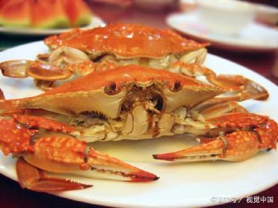 过生日太兴奋,一连几只螃蟹下肚,男子呼吸困难直面死亡
