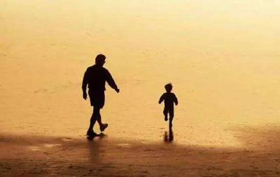 武汉男子赠与女儿10万元 再婚妻子要求返还被驳回