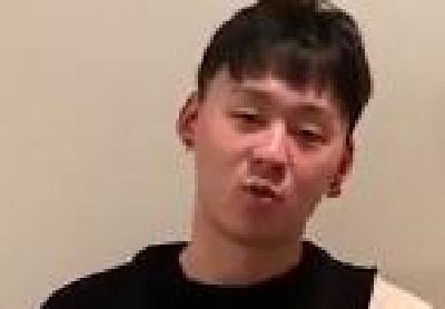 24岁武汉伢国外创作爆款歌曲《献给武汉》听哭无数人