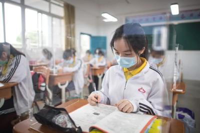 新华社专访湖北省委书记应勇:困难再大,也压不跨英雄的湖北人民!