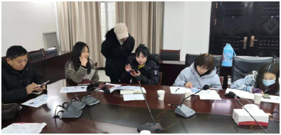 """武汉市新洲区:村里来了""""班主任"""" 电商学习热情高"""
