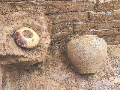 襄阳发现唐代公墓 考古人员进行抢救性发掘