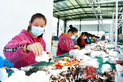 通城建成79家乡村微工厂:招回在外能人 盘活闲置设施