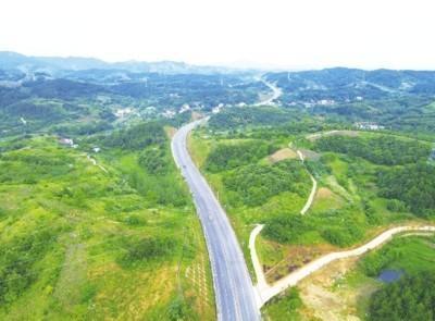 湖北美丽公路经济带突破4万公里 位居全国第一方阵