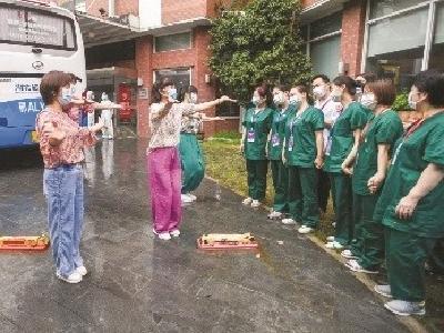 在汉隔离期间受到照顾 安徽5游客跳手语舞答谢武汉人
