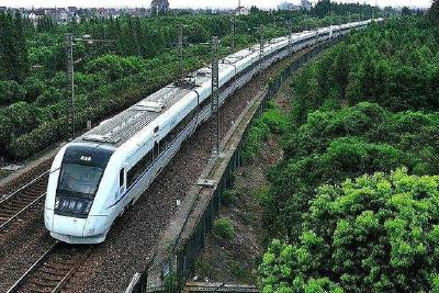 今日迎来返程高峰 武铁增开32趟列车