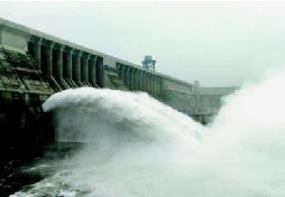 丹江口水库处历史同期高位 7万余干群值守汉江干堤